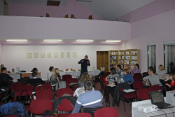 2011.12.15 Вистава-тренінг «Про золотого зайця»
